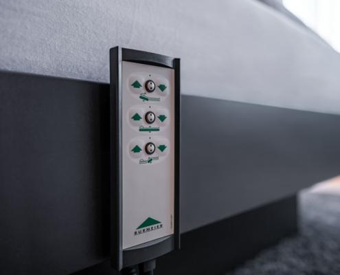 elektrische Höhenverstellung am Bett - Pulverhütte - Gästehaus im egapark Erfurt